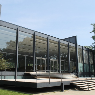 Crown Hall / Mies
