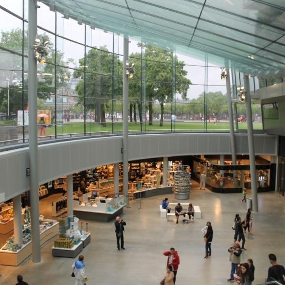 Van Gogh Museum Exposition Wing / Kisho Kurokawa