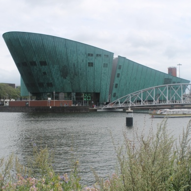 NEMO Science Center / Renzo Piano