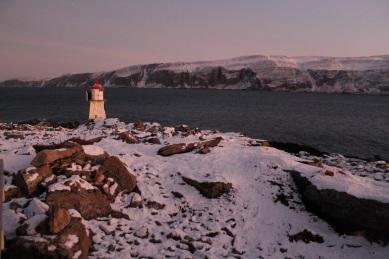 Hiking to Båtsfjord Lighthouse